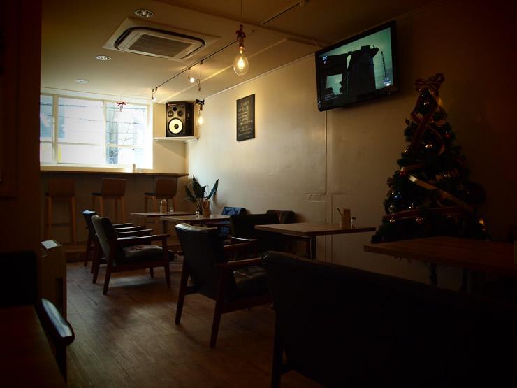 COLINS Cafe (コリンズカフェ)