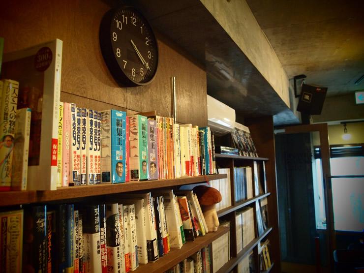 Brown's Books & Cafe(ブラウンズブックス&カフェ)